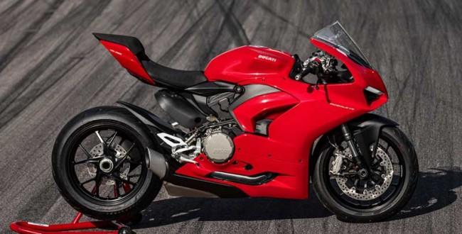 2020-ducati-panigale-v2-first-look-review-16